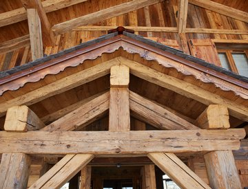Trusses in ancient wood