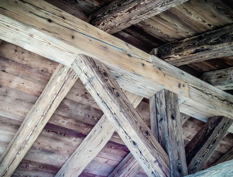 Wooden roof coverings